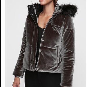 Express velvet puffer jacket w removable fur Med